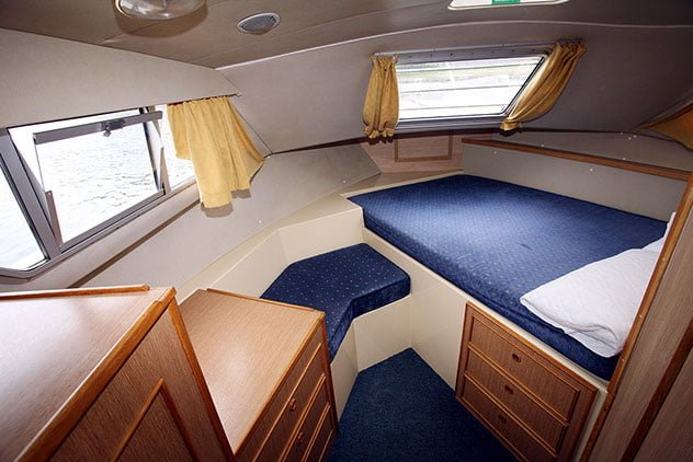 LADY SUZANNE FRONT CABIN